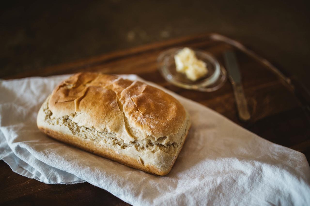Bûches compressées pour fêtes du pain à travers la France